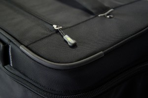 Zipper-Pull-Top-800X534